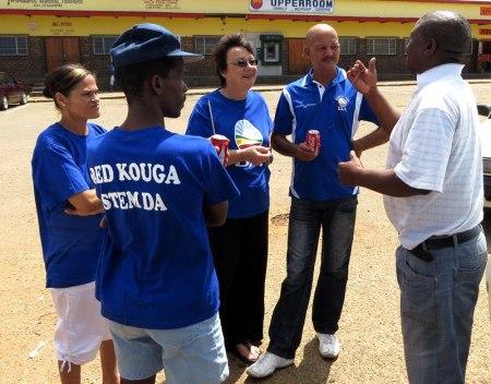Elza Van Lingen meets the local residents