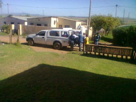 sassa Municipal-Bakkie-handing-out-food-parcels