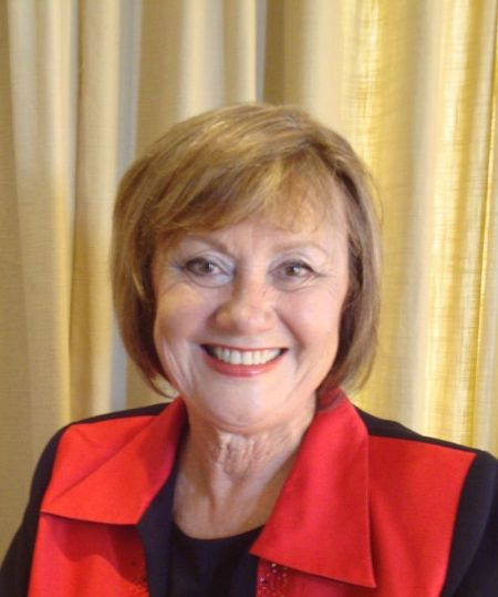 Elza Van Lingen.