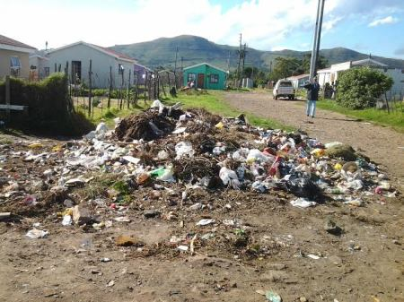 Mounds of refuse are piled up all over Kouga