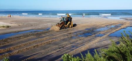 Sewage spill on Main Beach